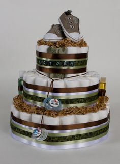 Camo diaper Cake  Ok I know you don't want this Suzie so don't freak out when you see I've pinned this ;) but you can keep it in mind for me one day