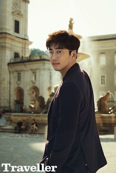 "With the drama ""The Good Wife"" finishing recently to relatively good ratings, Yoon Kye Sang took off to explore the streets of Salzburg, Austria with The Traveller and we're jealo… Lee Sang Yoon, Lee Sung, Park Hae Jin, Hot Korean Guys, Netflix, Handsome Korean Actors, Hello Ladies, Lee Seung Gi, Kdrama Actors"