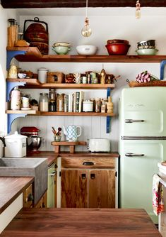 This is a dream kitchen space. This is a dream kitchen space. This is a dream kitchen space. This is Boho Kitchen, Home Decor Kitchen, Kitchen Styling, New Kitchen, Home Kitchens, Kitchen Ideas, Awesome Kitchen, Country Style Kitchen Diy, Small Cottage Kitchen