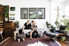 The online home for Real Living is Homes To Love. Check out the latest interior trends, get expert advice from industry insiders, and take a tour of the stylish Australian homes. Boho Chic Interior, Bohemian Bedroom Design, Bohemian Decor, Interior Design, Real Living Magazine, Painted Cupboards, Blue Ceilings, Piece A Vivre, Australian Homes