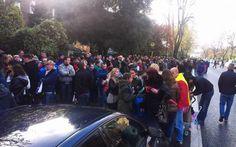 Alegeri prezidenţiale 2014. Mii de români stau la coadă la secţiile din Munchen, Paris, Viena, Madrid şi Londra - #Diasporavoteaza (Adevarul, FOTO Cristi Roman)
