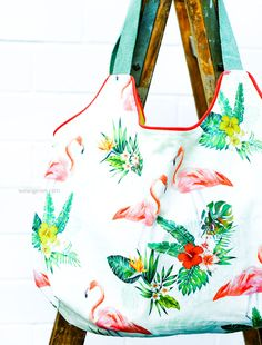 Sewing instructions and pattern: Heinrich shopping bag Sewing Tutorials, Sewing Patterns, Easy Family Meals, Fabric Bags, Couture, Shopping Bag, Tote Bag, Fun, Handmade