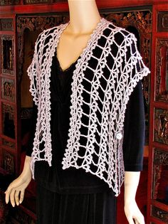 Designing Vashti pattern ($) on Ravelry. No sizes... No shaping. And multiple ways to wear it.