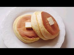 Only 1 egg Souffle Pancake Recipe ! Souffle Pancakes, Crepes And Waffles, Fluffy Pancakes, Egg Souffle, Dessert Sans Four, Baby Food Recipes, Dessert Recipes, Salty Foods, Breakfast Snacks