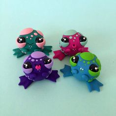 Frogamuffin SURPRISE Frog Sculpture Figurine by SimonSaysMacy