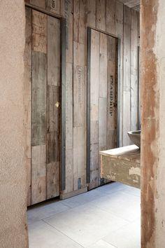 Höst Restaurant' s Wabi Sabi style restrooms by Norm Architects copenhagen Design Hotel, Restaurant Design, Restaurant Bar, Wabi Sabi, Wc Public, Restaurant Bathroom, Restroom Design, Public Bathrooms, Toilet Design