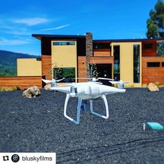 super cool! 👍🏽 #Repost @bluskyfilms (@get_repost) ・・・ #ET #DroneHome!... Just having some fun with a #bts shot from a #realestate listing for KevinWakelin.com of @pacificunionrealestate! . This beautiful modern home features amazing modern architecture and an indoor outdoor lifestyle design that must be seen to be believed! . . #siliconvalley#paloalto #atherton#RealEstate #Realtor #Realty #Broker #NewHome #HouseHunting #MillionDollarListing #dreamhome #milliondollarlisting…