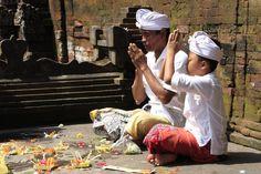 Praying Balinese Gods in Bali. Like us https://www.facebook.com/placesbali