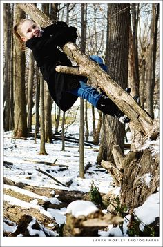 She climbs the tree like a monkey.
