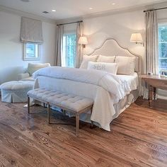 Light Gray Bedroom French bedroom MDD Architects secretice: Light grey bedroom ideas 30 Stunning Bedroom Design Ideas in Grey Color Ligh. Off White Bedrooms, Cream Bedrooms, Master Bedrooms, Master Suite, French Master Bedroom, Master Closet, Cama Vintage, Home Bedroom, Bedroom Decor