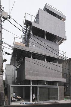 Jingumae Building 神宮前ビルディング  Architect: Chuoarchi 中央アーキ Location: Jingumae, Shibuya-ku Tokyo, Japan Completion year: 2012
