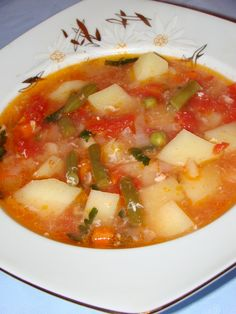 Romanian Food, Romanian Recipes, Meals For One, Cheeseburger Chowder, Stew, Soup Recipes, Salsa, Food And Drink, Cooking