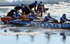 Canot à glace - La course de canot à glace du Carnaval est la deuxième des cinq étapes du Circuit québécois de canot à glace.