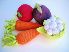 Knitted play vegetables