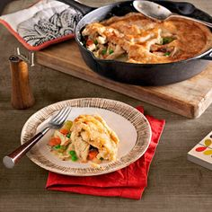 A cast-iron pan makes whipping up a satisfying supper, savory sides, or a crowd-pleasing dessert a snap. Get our easy skillet dinner recipes. Cast Iron Skillet Cooking, Iron Skillet Recipes, Chicken Skillet Recipes, Cast Iron Recipes, Recipe Chicken, Easy Skillet Dinner, Easy Skillet Meals, Wood Stove Cooking, Dutch Oven Cooking