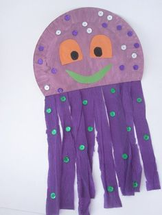 J for jellyfish Paper Plate Jellyfish Diy Crafts To Do, Sea Crafts, Fish Crafts, Creative Crafts, Arts And Crafts, Paper Plate Jellyfish, Jellyfish Art, Paper Plate Crafts, Paper Plates