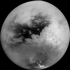 Here's @CassiniSaturn's 1st very close flyby of Saturn's moon Titan from 2004 http://1.usa.gov/1q5mAma #Cassini10 pic.twitter.com/euk0J8N2fg