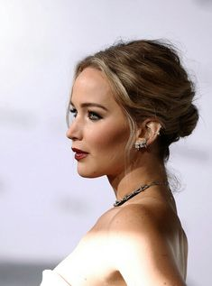 "edqeofglory: """" Jennifer Lawrence at the World Premiere of Passengers in Los Angeles. Celebrity Look, Celebrity Crush, Jennifer Lawrence Hair, Chloe Grace, My Girl, Beautiful People, Actresses, Celebrities, Hair Styles"