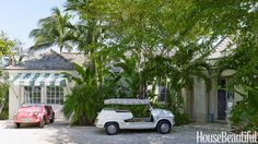 amanda lindroth's home in Lyford Cay, Bahamas / photos: Björn Wallander for House Beautiful Foyer Paint, Bifold French Doors, Bahamas House, Three Story House, Beautiful Interior Design, Beautiful Interiors, British Colonial, White Houses, Island Life