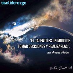 ¿Qué decisión importante estoy aplazando ejecutar? ¿Qué ganaré cuando lo haga?   Fotografia: Arturo Bullard - Trotamundos Amanecer en la cumbre del Huascarán #PeruNoEsSoloMachuPicchu   facebook.com/360liderazgo