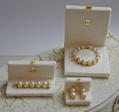 UNIQUE MINIATURES - WEDDING JEWELRY, PEARLS (I can make this! boy - do I have beading materials..kj)