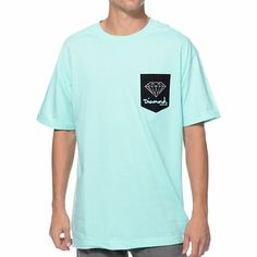 Get your shine on in the crisp look of the Diamond Supply OG Sign diamond blue pocket tee shirt. This standard fit guys short sleeve crew neck pocket tee shirt features a diamond blue colorway, custom black chest pocket at the left chest with a custom Diamond Supply Co and Diamond logo screen print graphic on it, custom Diamond Supply logo tag at the bottom hem, and a tagless design so you won't be irritated while you tear up the skate parks. Grab the Diamond Supply OG Sign diamond blue…