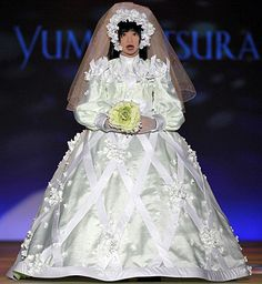 6a6ce981e3b Japanese designer Yumi Katsura Combines robot   Wedding Dress To Create  Fashion   A New Era Of Robot Love.