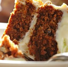 This carrot cake recipe is easy to make, healthy and delicious with added fruit to make it nice and moist. It's the best carrot cake recipe I have. Gluten Free Carrot Cake, Vegan Carrot Cakes, Best Carrot Cake, Carrot Cake Recipe Without Nuts, Carrot Muffins, Carrot Top, Taste Of Home Carrot Cake Recipe, Carrot Cake Recipe With Buttermilk, Low Fat Carrot Cake