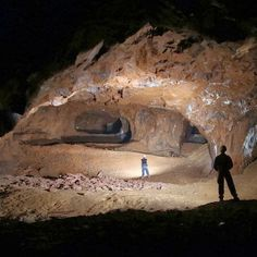 Reportedly, large caves and a lake were discovered under the train station #StazioneTrastevere in Rome's district of #Monteverde. Looks beautiful! (Photo credit: http://selroma12.blogspot.it/2013/11/blog-post_10.html)