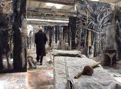 Anselm Kiefer dans son atelier