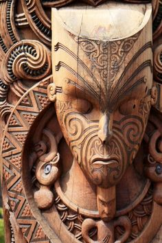 Maori carvings, New Zealand/ Maori Tattoos, Maori People, Polynesian Art, Maori Designs, Atelier D Art, New Zealand Art, Maori Art, Tattoo Motive, Thinking Day