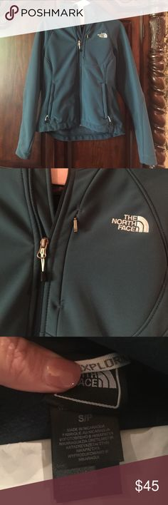 North Face jacket Ladies size small North Face jacket never worn!!! Bought for my daughter. Beautiful deep real color! North Face Jackets & Coats