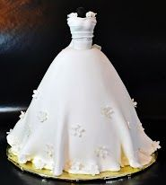 30 gorgeous wedding dress cake ideas for your bridal shower cake - Just us Girls Wedding Gown Cakes, Wedding Shower Cakes, Wedding Gowns, Bridal Gowns, Decoration Patisserie, Barbie Cake, Barbie Doll, Fashion Cakes, Gorgeous Wedding Dress