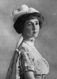 Lucy Noel Martha Leslie, the Countess of Rothes, apparently showed great courage during the sinking of the Titanic, taking control of her lifeboat and steering 35 passengers to safety where the Carpathia rescued them five hours later. (Getty Images) titanic