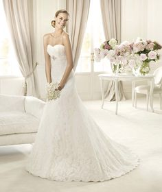 Pronovias Berta ALine sweetheart neckline Empire Waist Wedding Gown with sweep train Wedding Dress 2013, Wedding Dresses Photos, Used Wedding Dresses, Wedding Dress Styles, Designer Wedding Dresses, Bridal Dresses, Bridesmaid Dresses, Pronovias Wedding Dress, Wedding Dress Organza