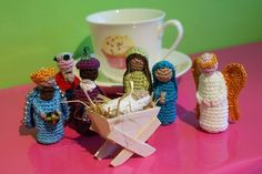 Crochet Nativity Set (they are finger puppets!!) @Anna Totten Totten Totten-Marie you should makethisfor my mom
