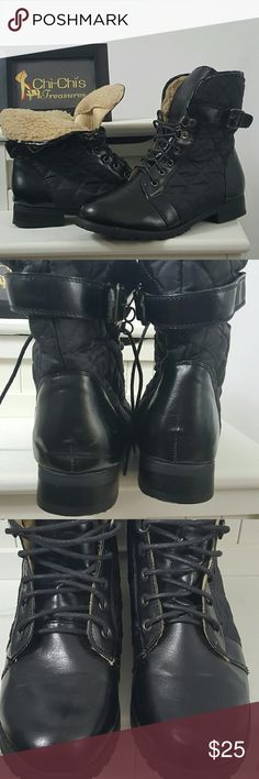 Women's combat boots size 9 Black shearling lined fold over boots. Women's size 9. Shoe PREOWNED in excellent condition. Shoes Combat & Moto Boots