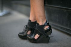 An oxford with more kick by Y-3. #pfw #streetstyle #ss14