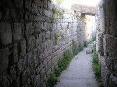Os invitamos a pasear por la ciudad romana de Segobriga.  #historia #turismo  http://www.rutasconhistoria.es/loc/segobriga