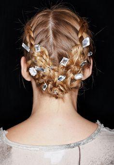Hairstyle de primavera: las reinvención de las trenzas. Honor