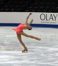 Alissa Czisny has the most perfect layback.  I aspire to have a layback like this...but I don't think my spine will bend that far!