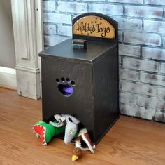 Pet Toy Box I like how it's open at bottom instead of top. Small dogs like mine can get toys out soooo much easier than trying to jump in toy box! Toy Storage Boxes, Plastic Box Storage, Toy Boxes, Diy Pour Chien, Dog Toy Box, Best Dog Toys, Diy Stuffed Animals, I Love Dogs, Pet Toys