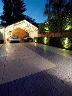 Attraktive Einfahrt zum Ankommen und WohlfühlenDie Einfahrt am Haus ist das Synonym für Nachhausekommen. Attraktive Zufahrten passen zur Architektur d