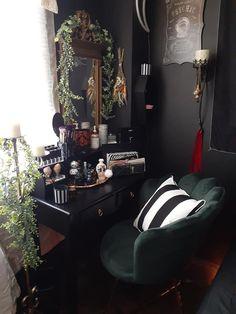 Dark Home Decor, Goth Home Decor, Room Ideas Bedroom, Home Bedroom, Room Decor, Dream Apartment, New Room, Decor Interior Design, Decoration