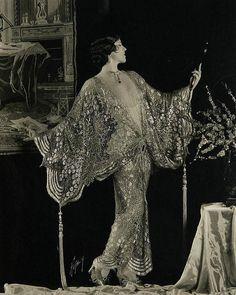 Ideas Vintage Photography 1920 Roaring Twenties Art Deco For 2019 Retro Mode, Mode Vintage, Vintage Ladies, Vintage Glamour, Vintage Beauty, 1920s Glamour, Moda Art Deco, Idda Van Munster, Vintage Outfits