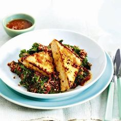 Honey-ginger tofu:  350 g tofu,  2 T soy sauce,  1 T honey,  2 tsp grated ginger,  1 tsp oil. Marinate tofu in soy, honey, ginger and oil 15 min. Cook until golden, 2 to 3 min per side, over medium heat in skillet. Drizzle with reserved marinade.