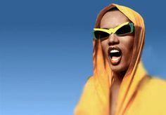 in the {hood} -gitana Grace Jones, Divas, Nina Hagen, Josephine Baker, Lady And Gentlemen, Cat Eyes, Mellow Yellow, Amazing Grace, Black Is Beautiful