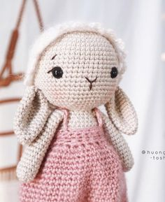 Crochet Bunny, Handmade Ideas, Free Pattern, Hello Kitty, Crochet Patterns, Dolls, Top, Character, Crochet Rabbit