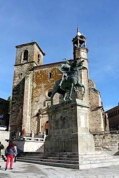 SPAIN / Cities, towns, landscapes - Trujillo, monumento Francisco Pizarro