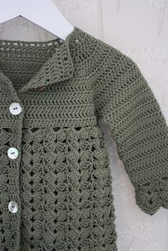 Ravelry: B19-8 a Jacket with raglan and fan pattern by DROPS design